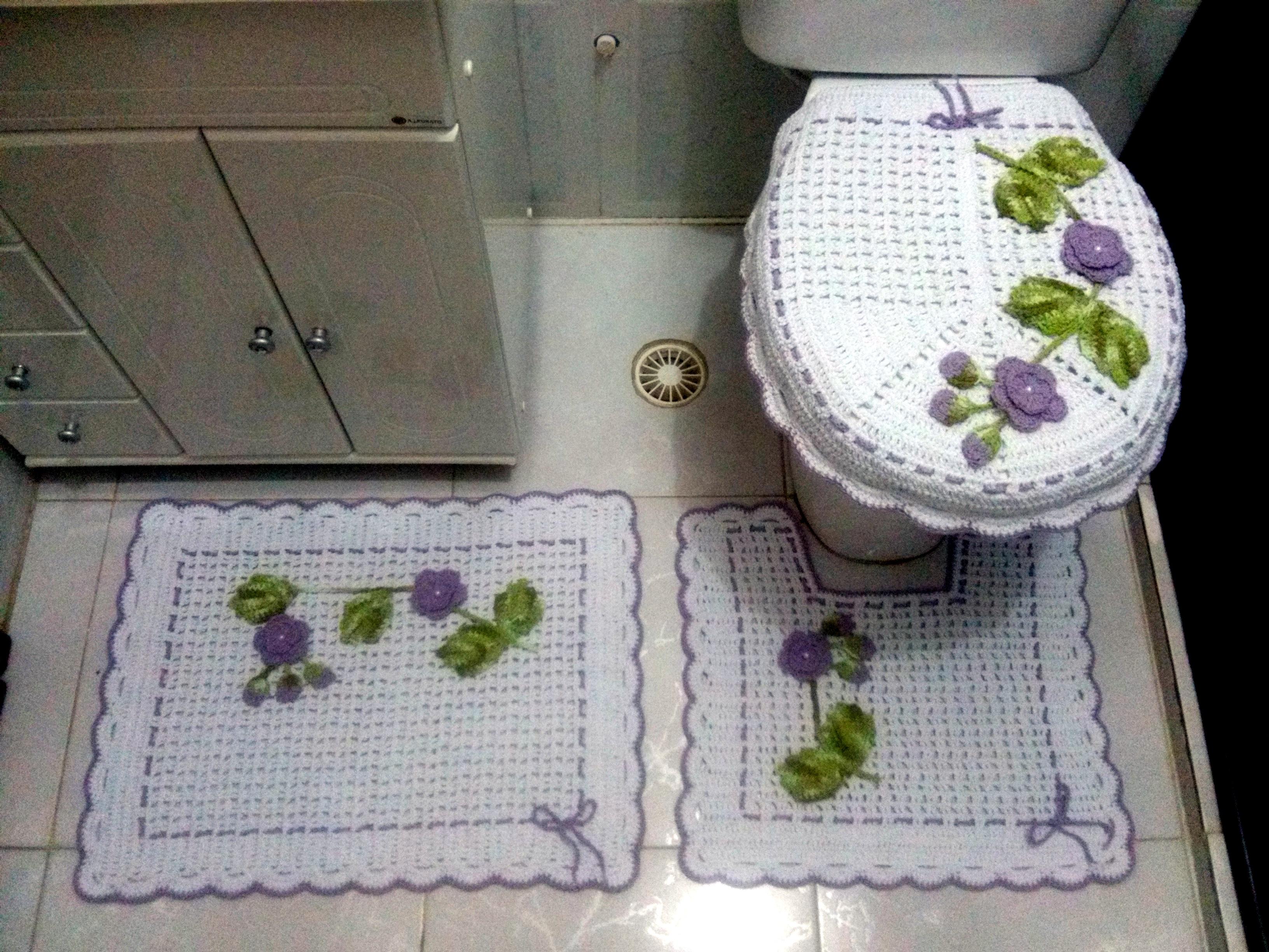 Jogos De Banheiro Vermelho E Branco : Jogo de banheiro lil?s e branco elienes oliveira