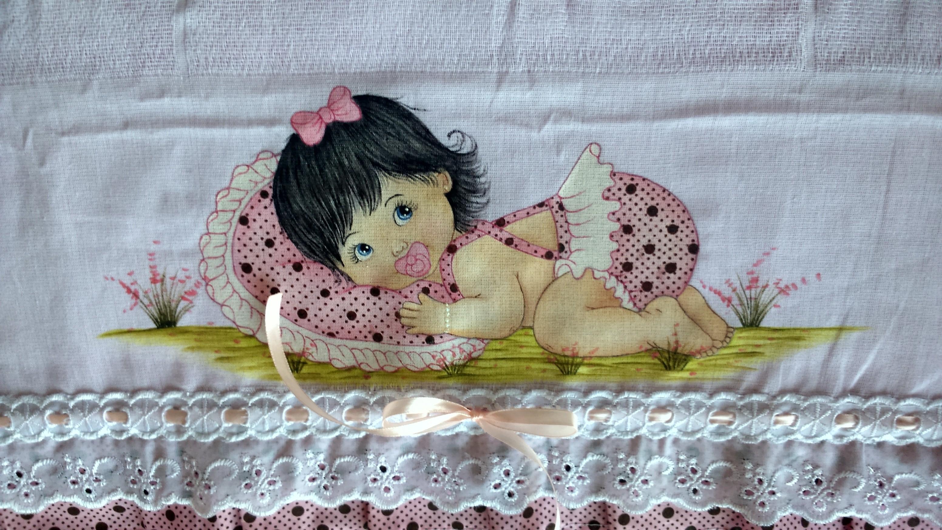 fralda-pintada-menina-pintura-em-tecido