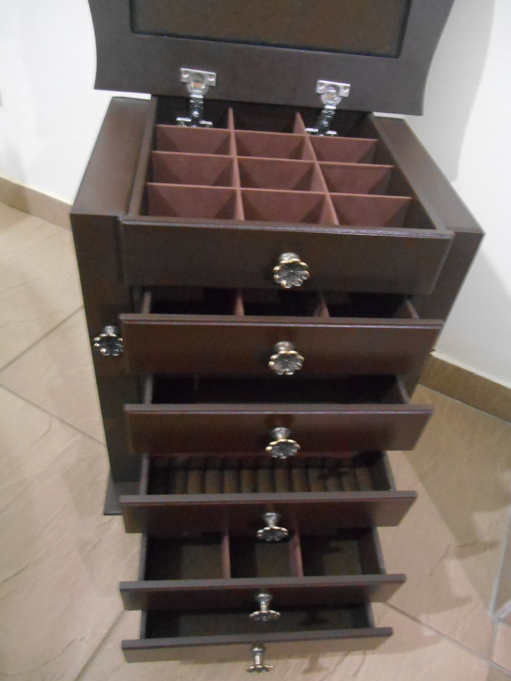 criado mudo especial porta joias grande criado mudo mesa de cabeceira #7B6450 1704x2272