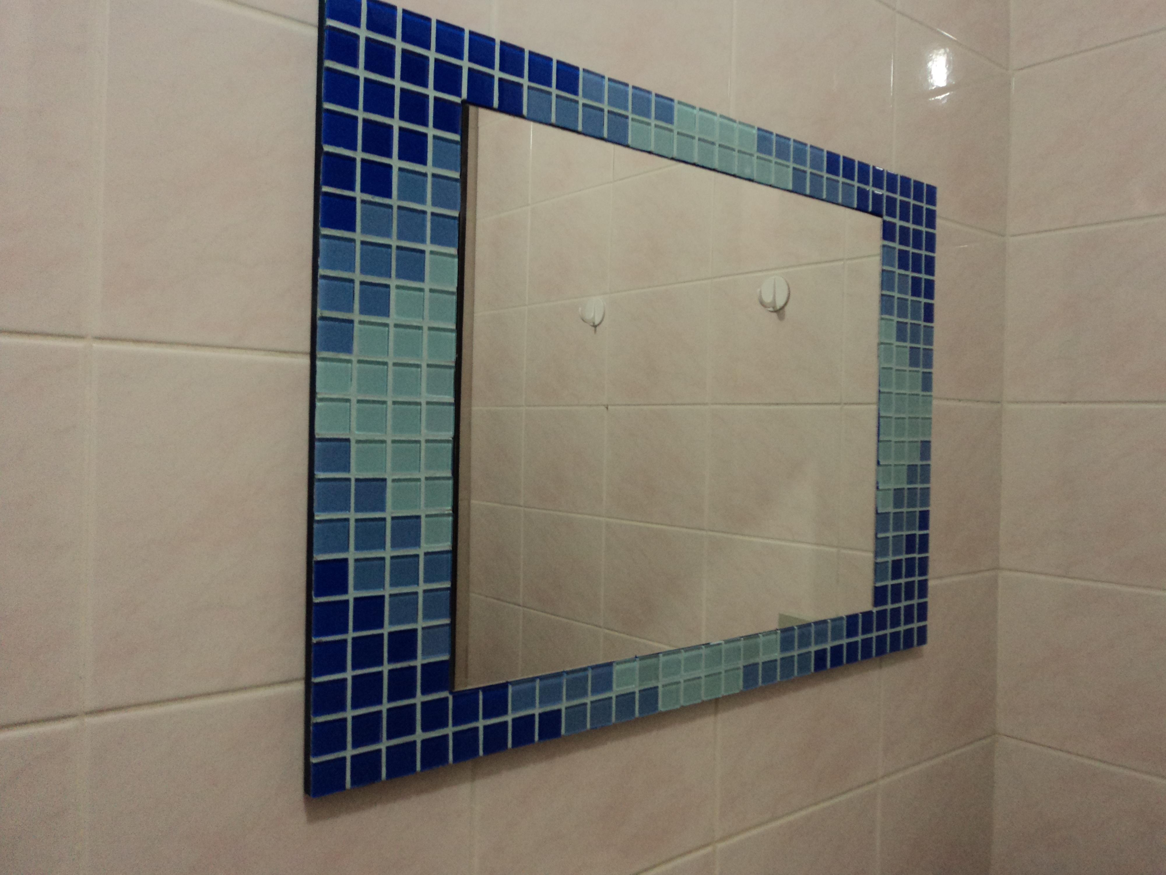 espelho gelatti azul decoracao espelho gelatti azul espelho decorativo #283F61 4000x3000 Banheiro Com Pastilha Espelho