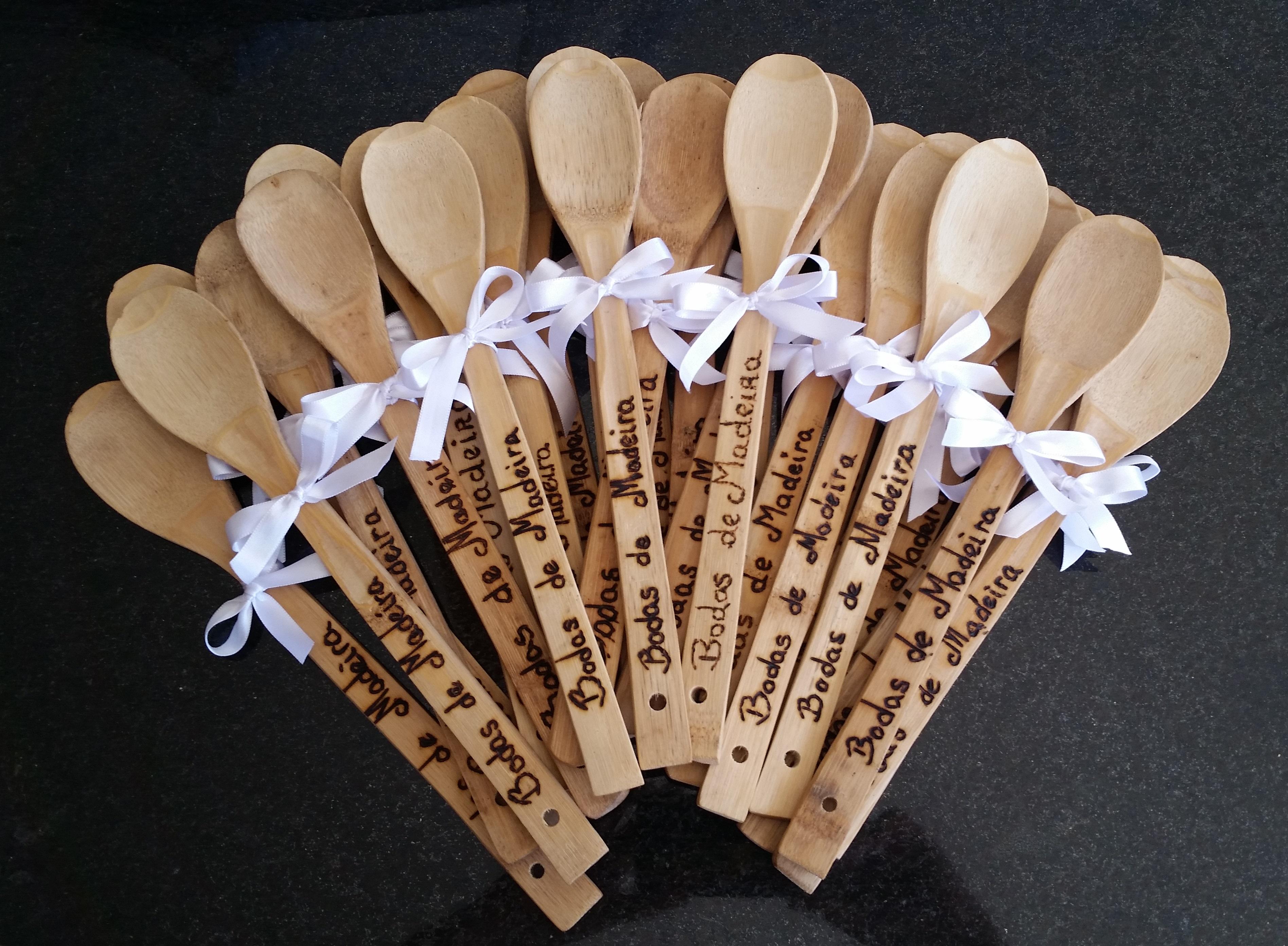 bodas de madeira colher lembranca lembrancinha bodas de madeira  #6A452E 3792x2784