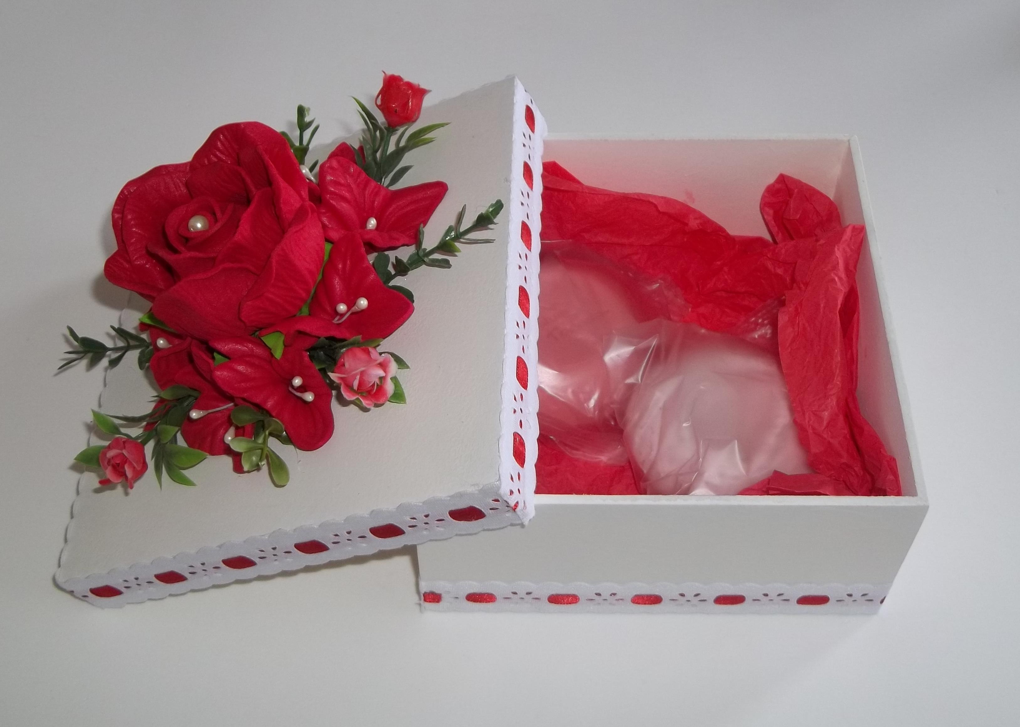 Caixa em Mdf Decorada com Flores em Eva Idéias e Cores Decor Elo7 #8E1225 3253x2317