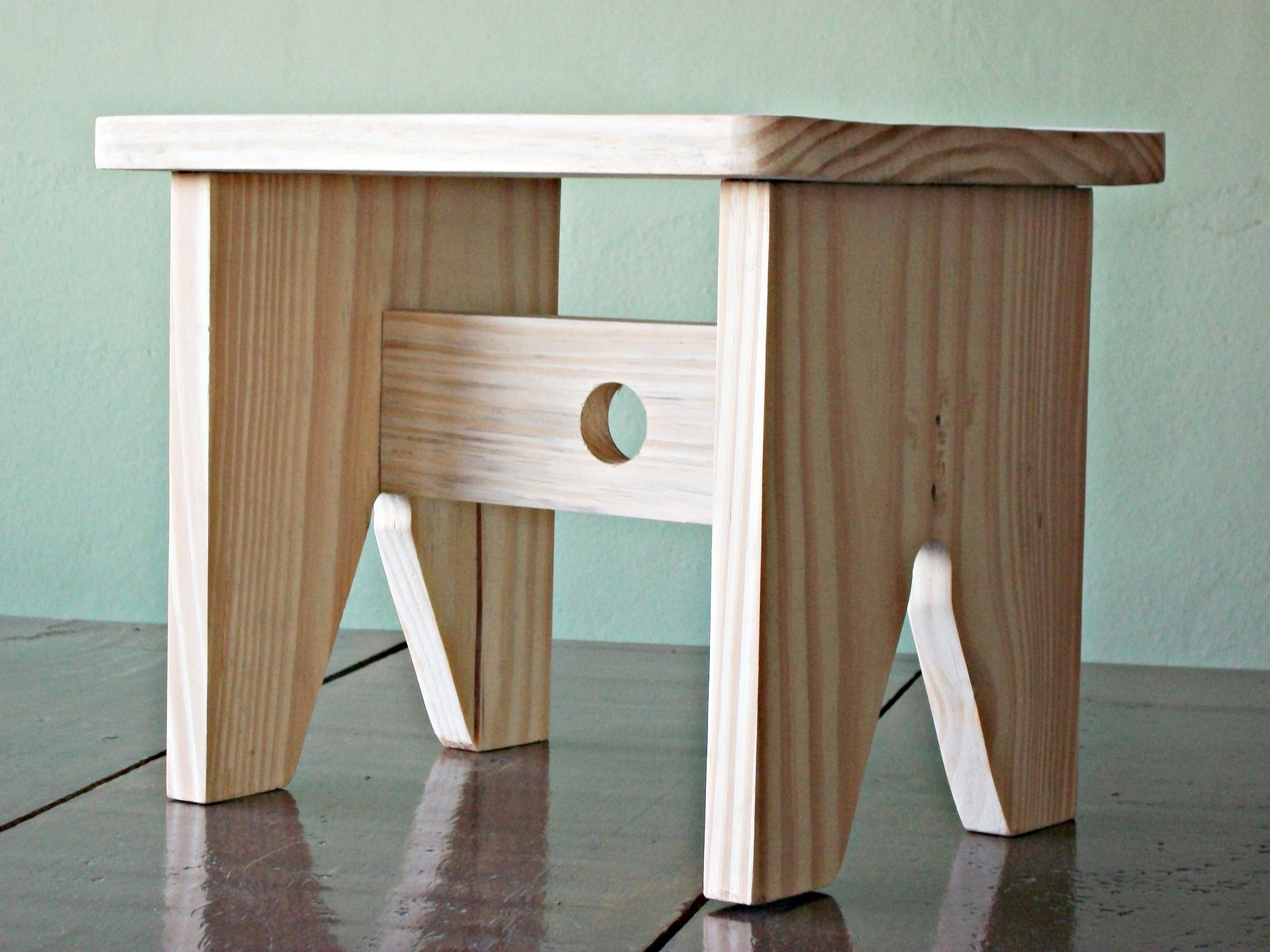 madeira natural banquinho de manicure banquinho caipira em madeira #644C39 3664x2748