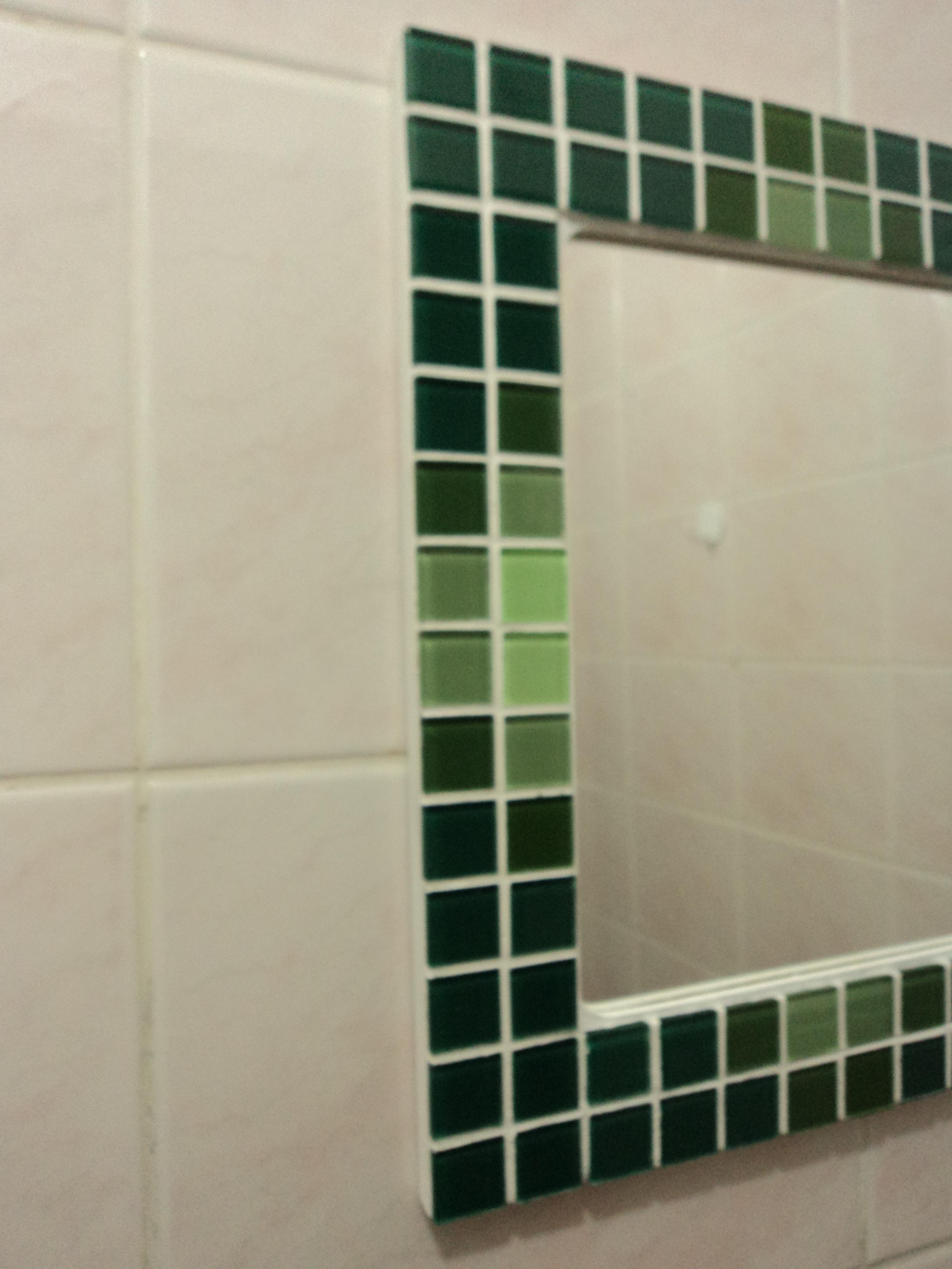 mosaico espelho com moldura em mosaico gelatti espelho banheiro #1B2D1E 3000x4000 Banheiro Com Pastilha Espelho