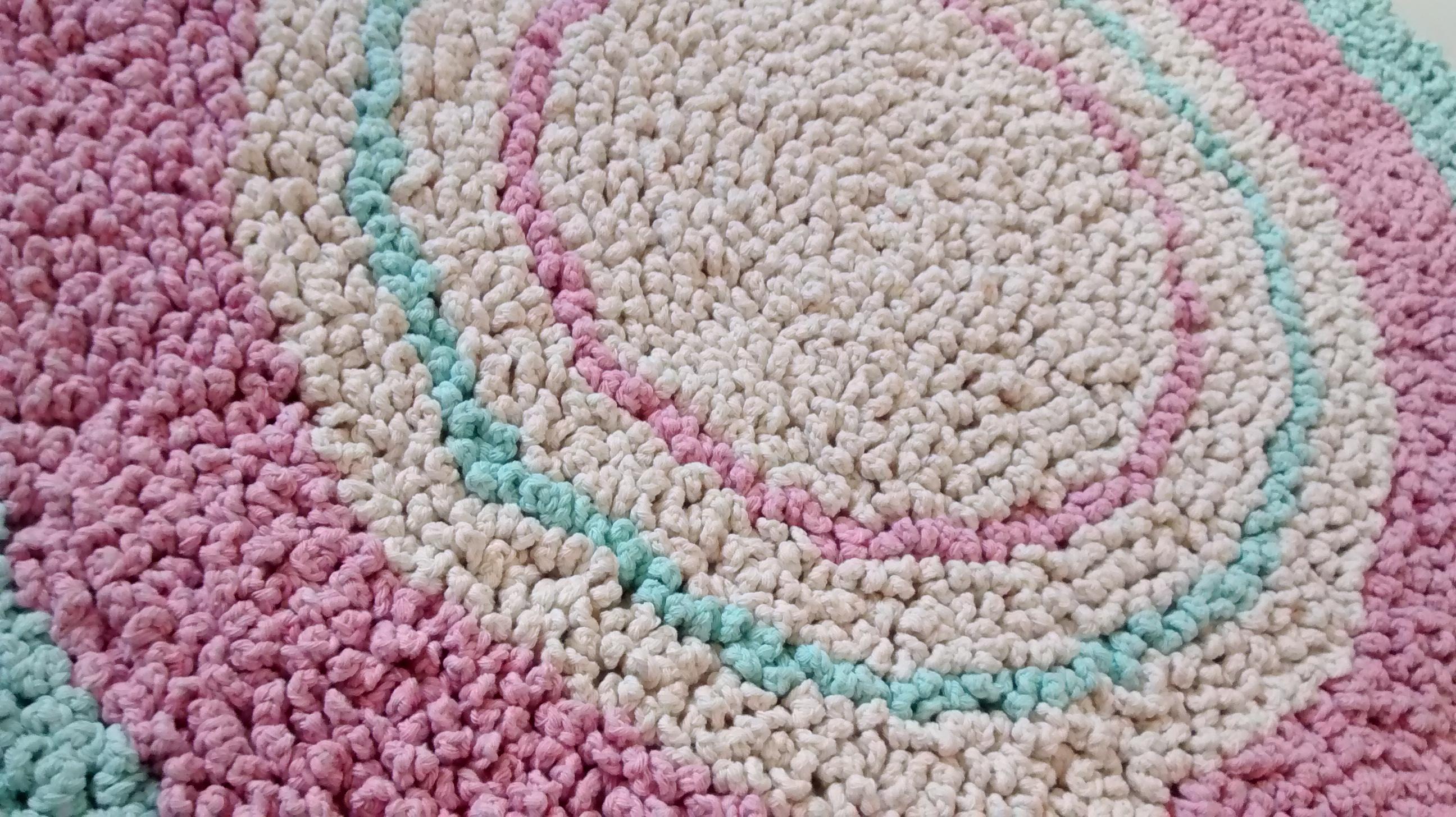 Tapete fofinho rosa e verde gua criativo e caprichado for Rosa tapete