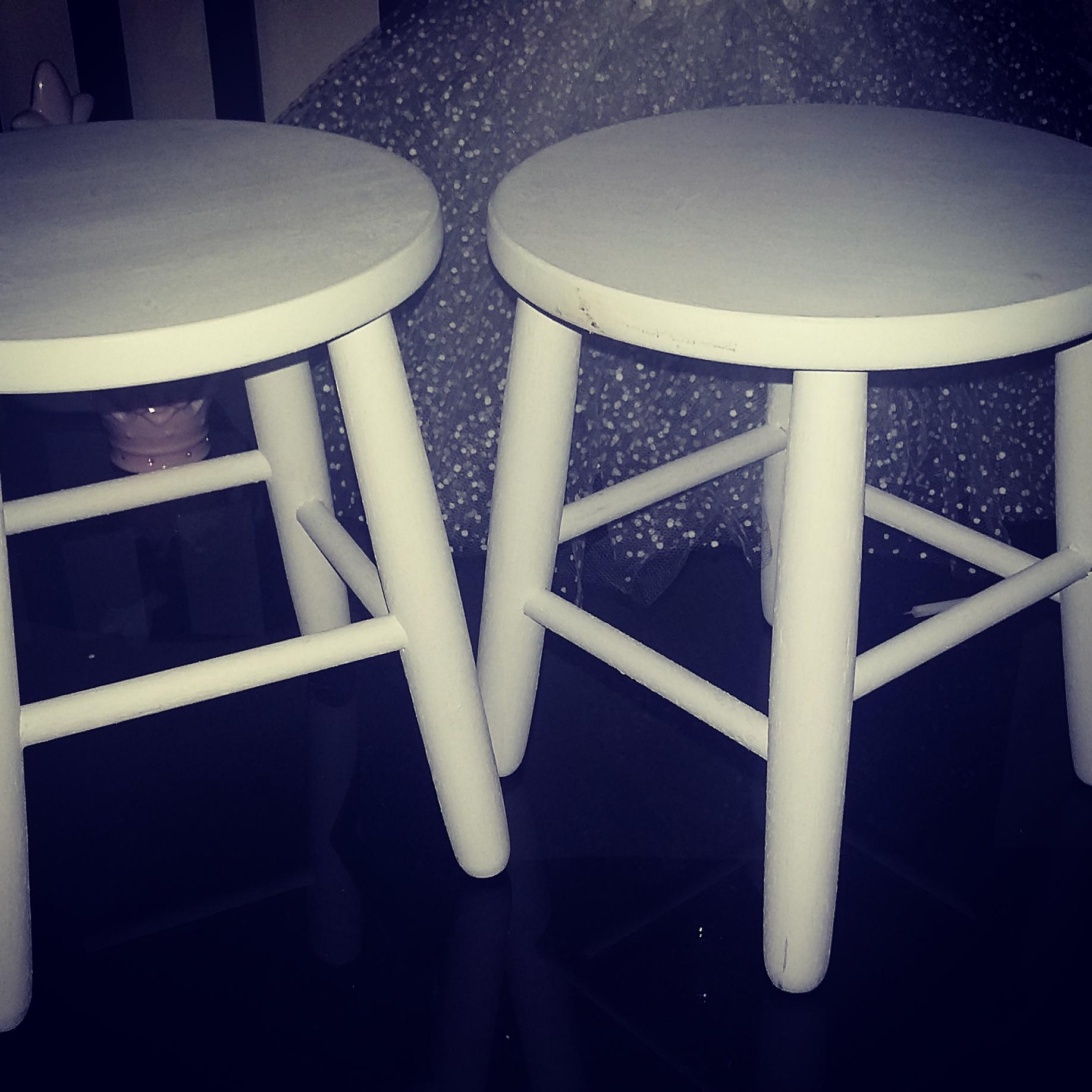 banquinhos brancos de madeira para mesa banquinhos para decoracao #0C0C2F 1836x1836