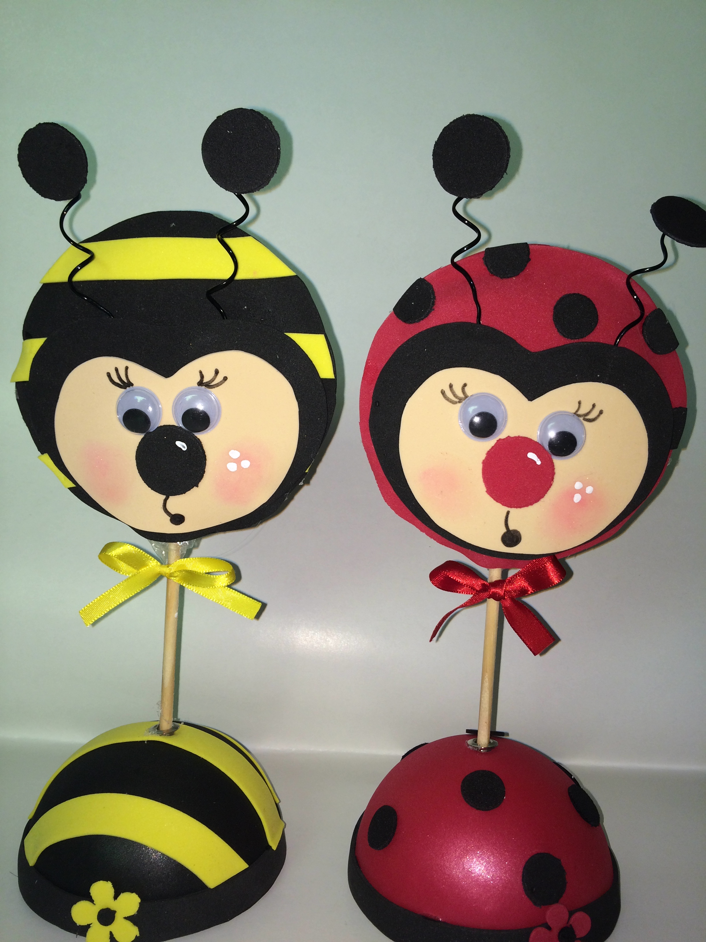 Pirulitos de joaninhas e abelhinhas buum balloon elo7 for Mural de isopor e eva