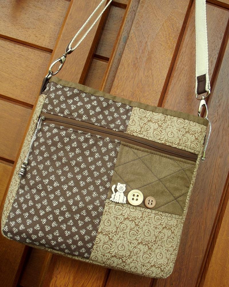 Bolsa De Tecido Tiracolo Passo A Passo : Bolsa carteiro patchwork costurandoi deia elo