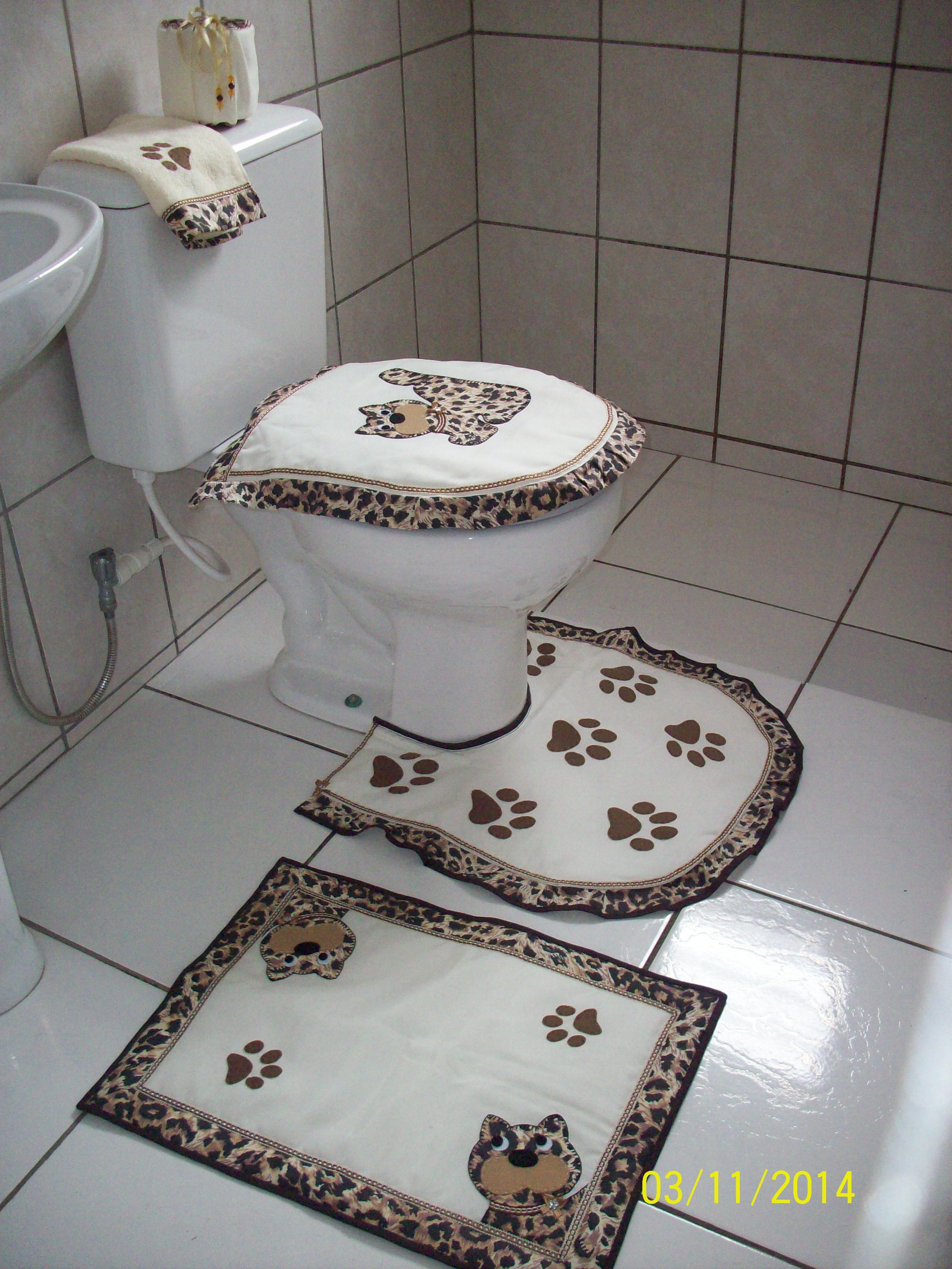 jogo de tapetes para banheiro oncinha jogo de banheiro em patchaplique #737158 2472 3296