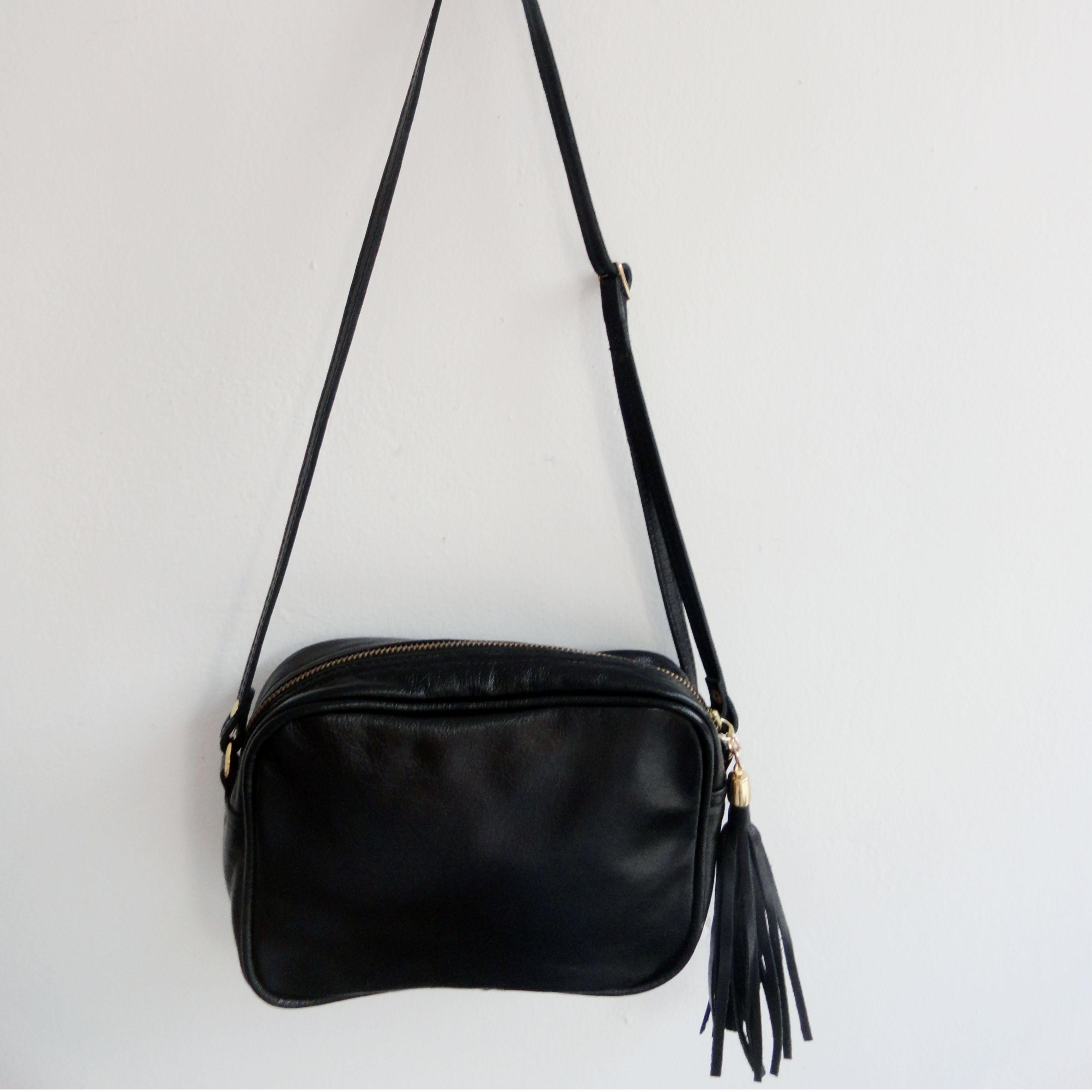Bolsa De Especias Pequeña : Bolsa pequena tiracolo com tassel gaia atelier elo
