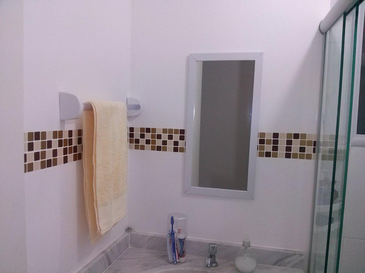 Adesivo De Parede Pastilha Lavável Cozinha Banheiro 10m R$ 184 99  #835E48 1200x900 Banheiro Com Uma Parede De Pastilha