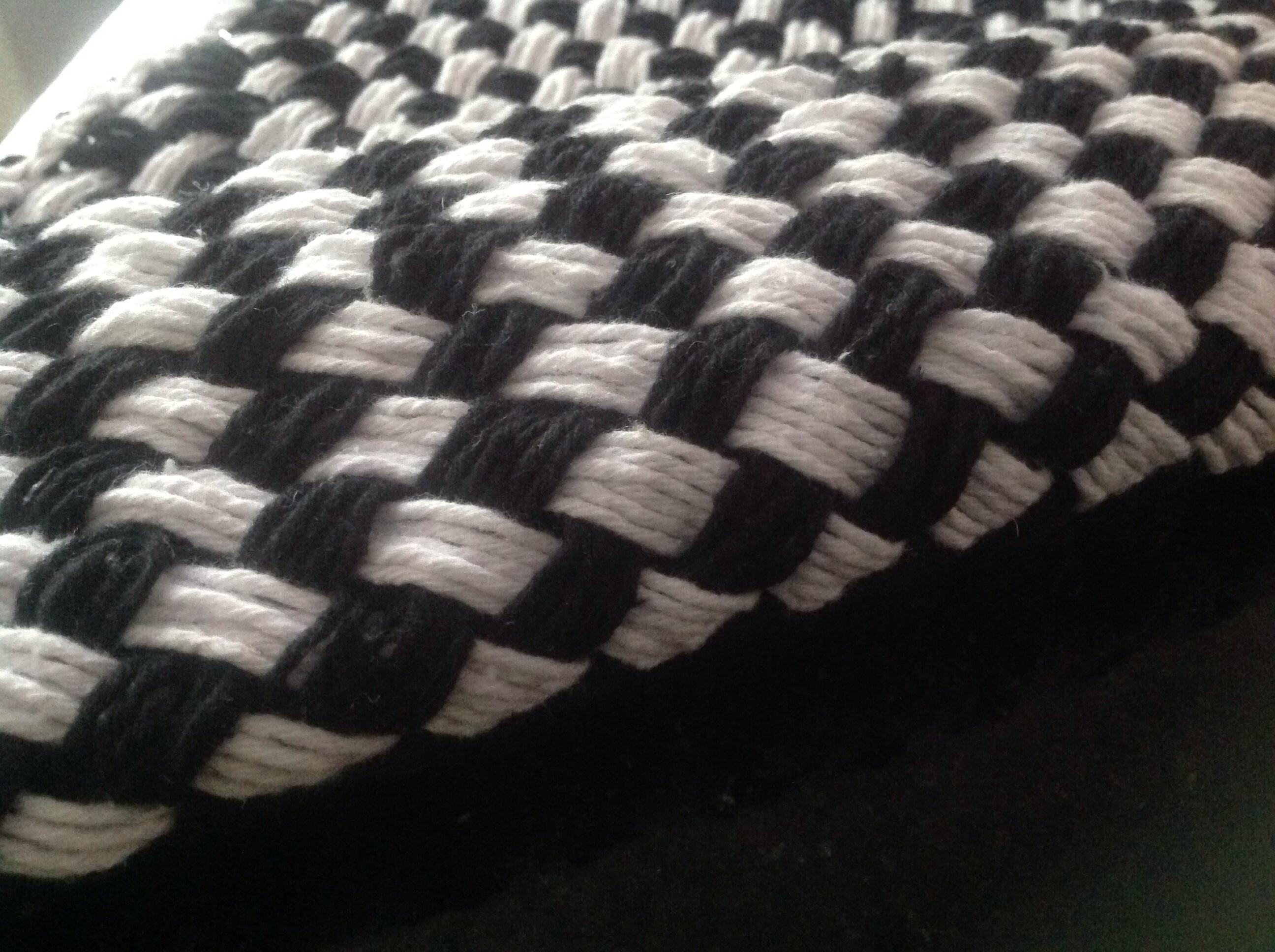 Arte Brasil Tapete Em Tear : Tapete xadrez feito no tear conj. 2unid. AmBel Artesanato Elo7