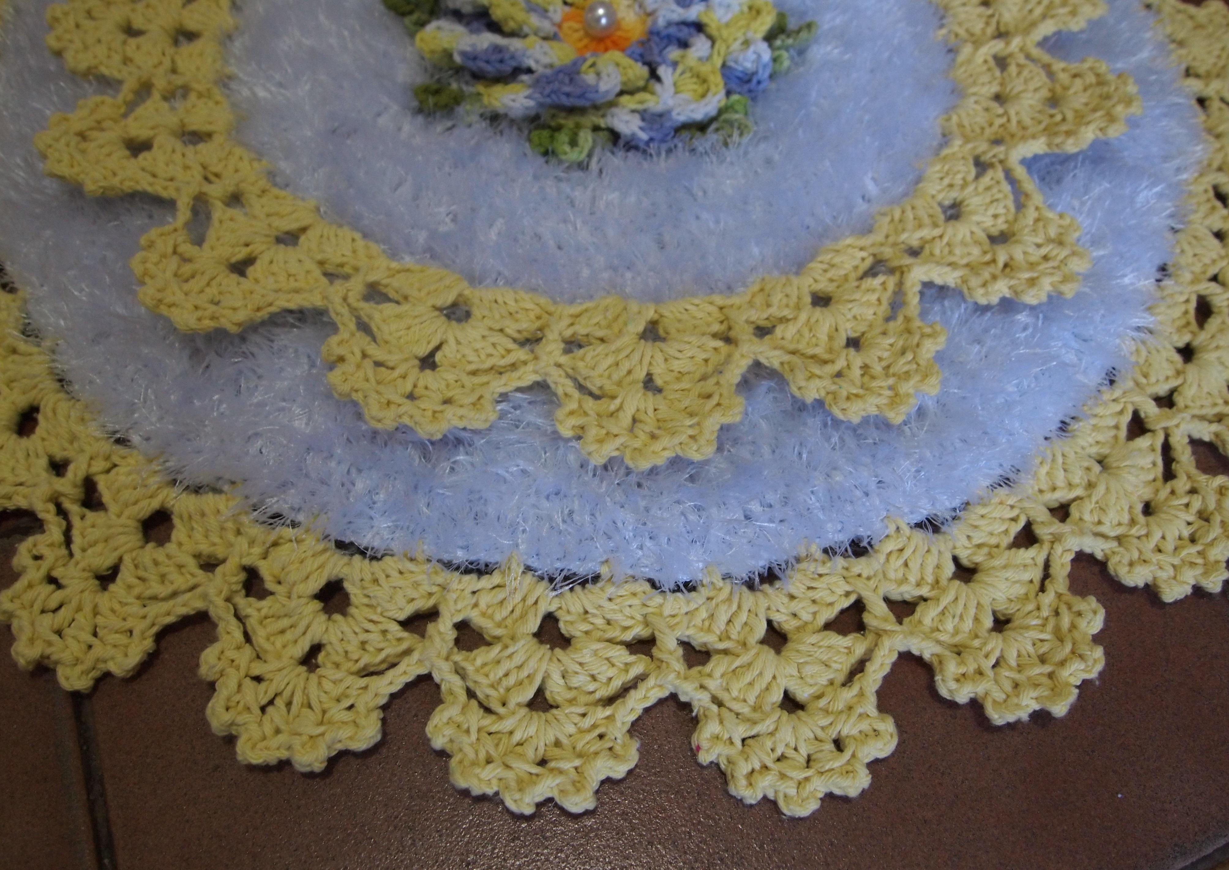 Jogo De Banheiro Amarelo Com Vermelho : Jogo banheiro amarelo branco flor dalia croches da elsa