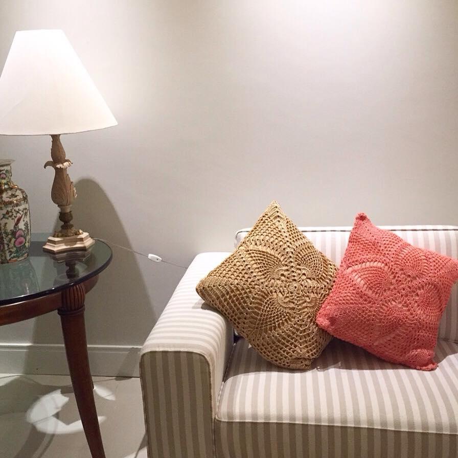 Almofadas brilho croch rosa e bege santa criatividade for Craft store santa rosa