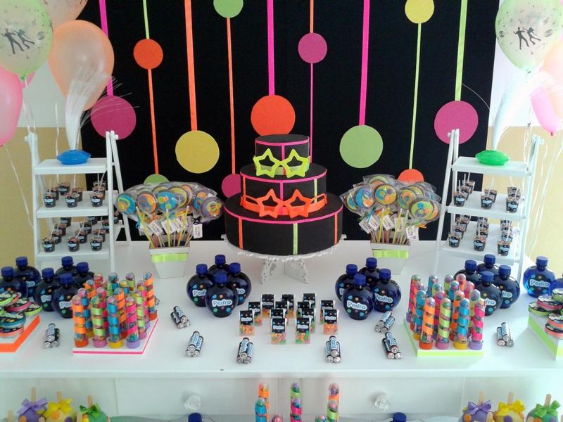 decoracao festa neon:decoracao-provencal-neon-aluguel-de-decoracao-festa-neon