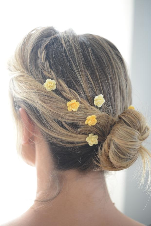 brazilian wedding hair styles gros de cabelo em mini rosas brancas debrevet