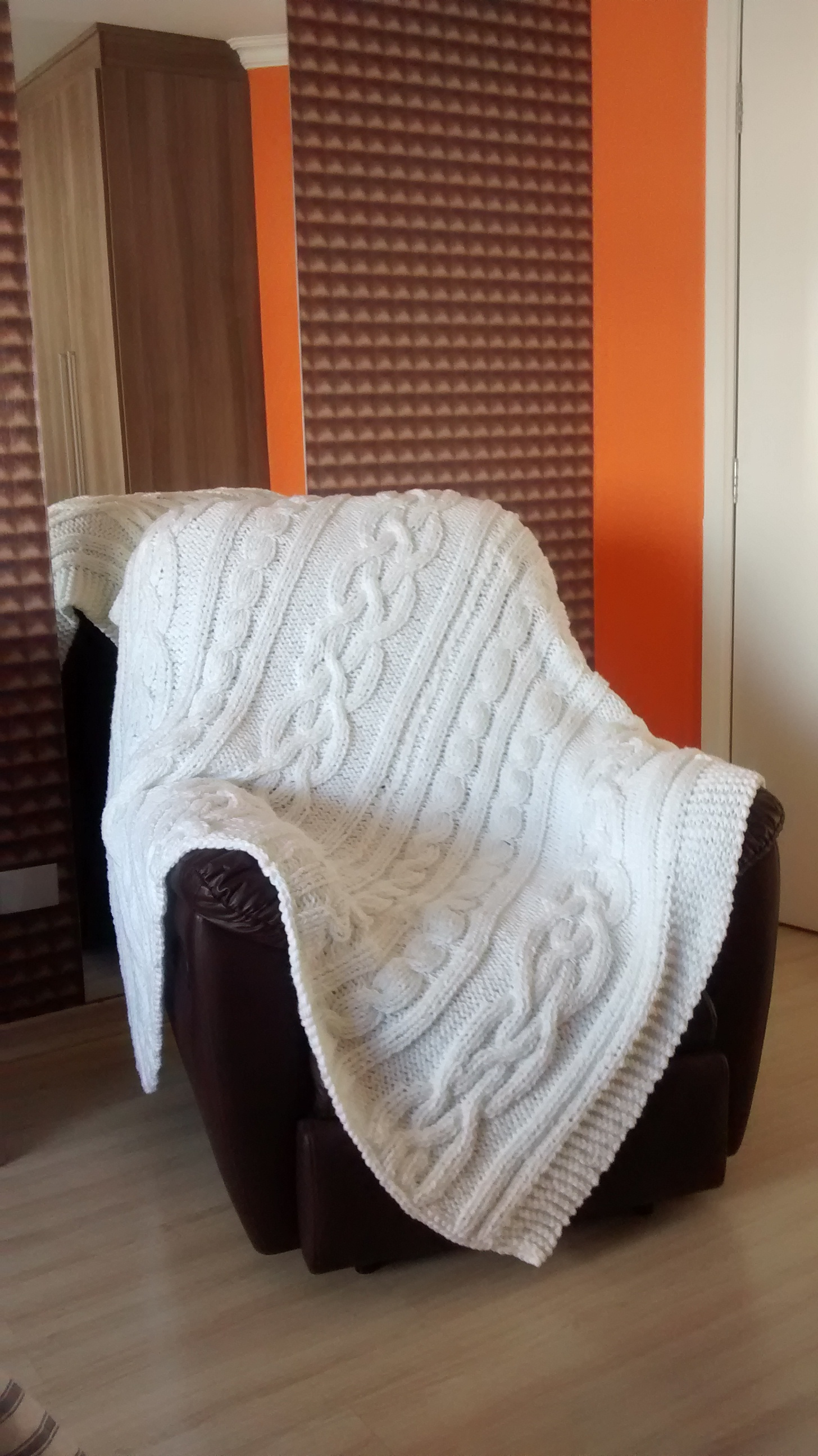 Manta de tric para poltrona e sof atelier vanessa - Manta de sofa ...