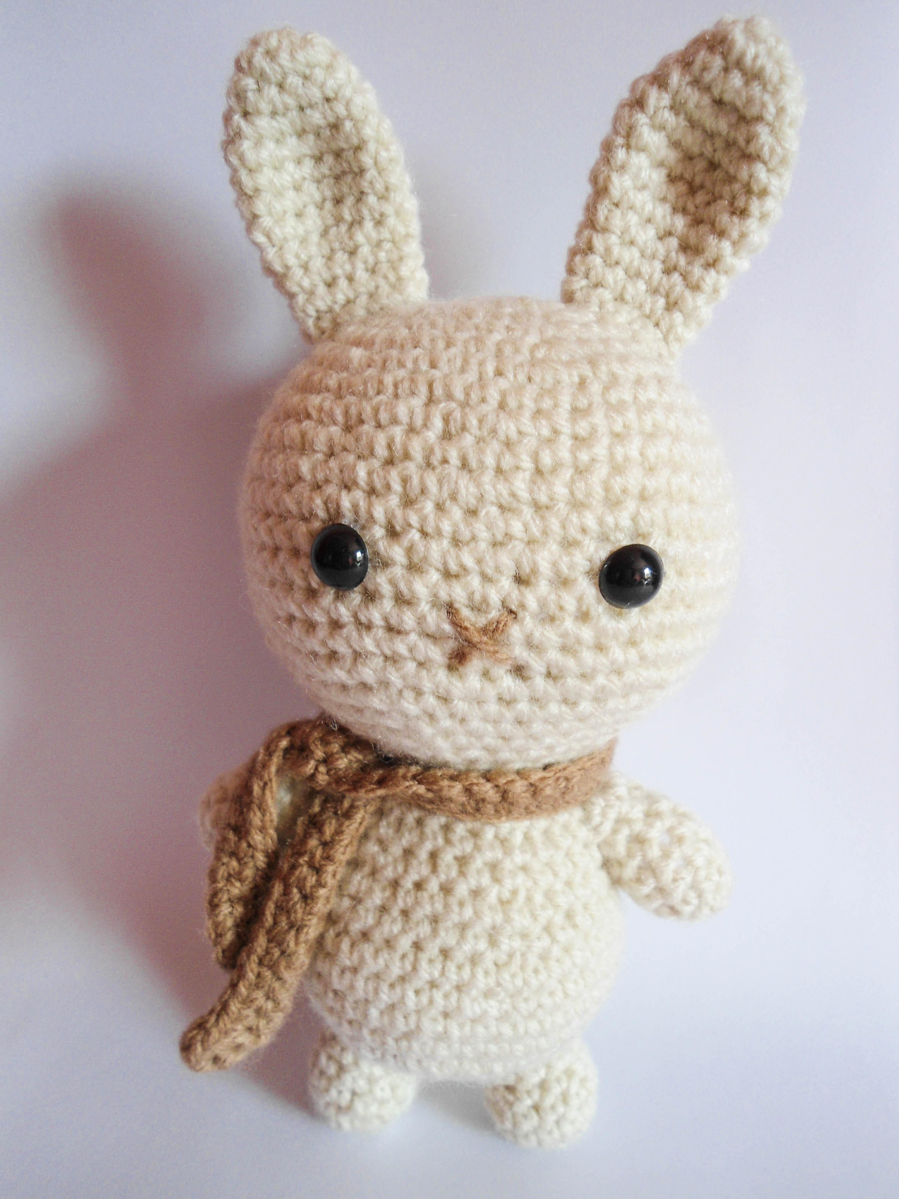 Amigurumi Peppa Pig : Amigurumi Coelho Bege (Bunny Gurumi) Porinn Gurumis Elo7