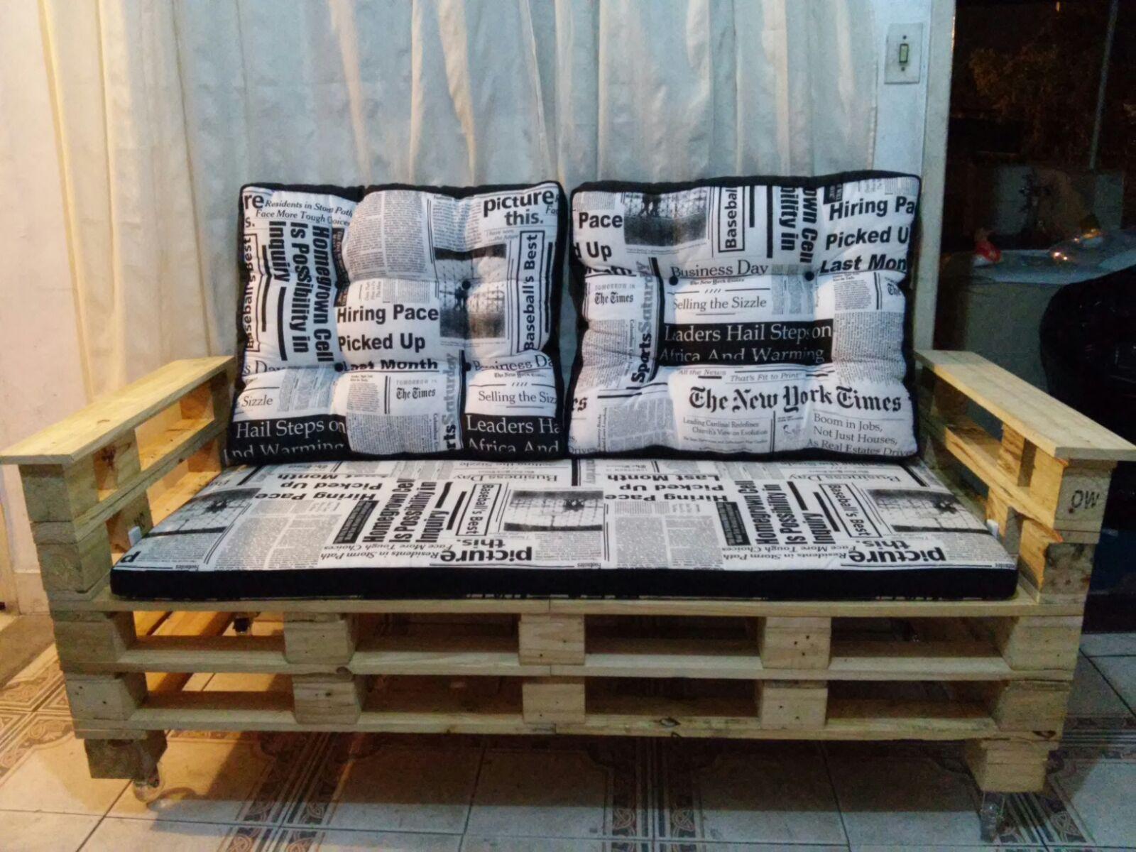 sofa de plaetes moveis de paletes.jpg #976E34 1600x1200