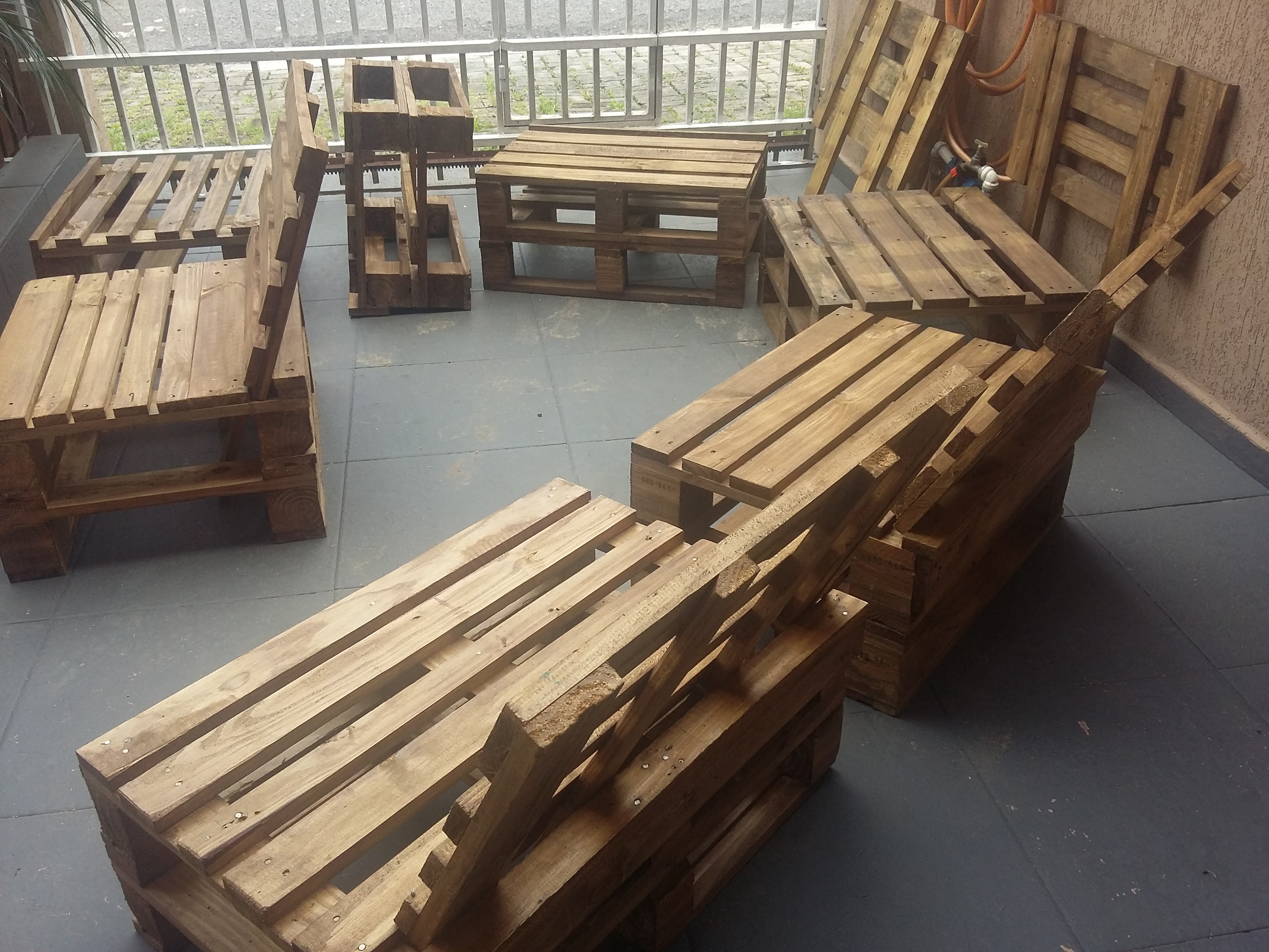 605677 on Wood Pallet Outdoor Furniture