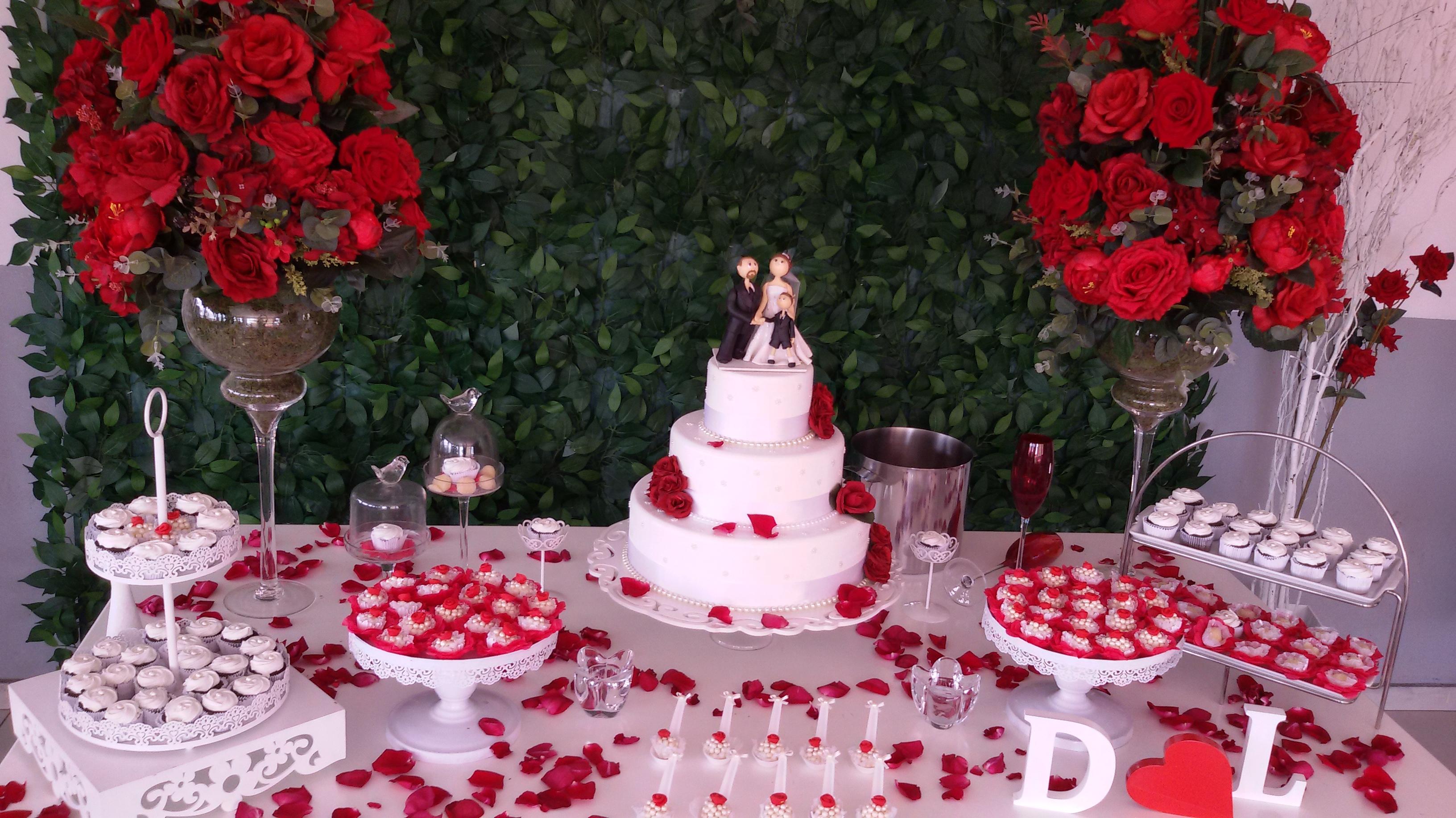 Decoração de casamento Vermerlho e branco bolo