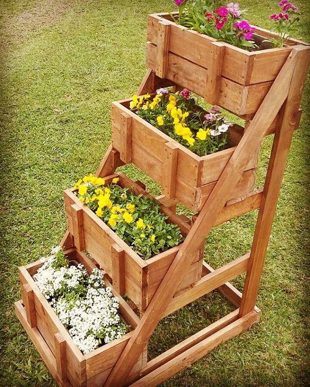 pequena horta no jardim : pequena horta no jardim: horta-jardim-vertical-de-pallet-caixote-para-horta horta-jardim