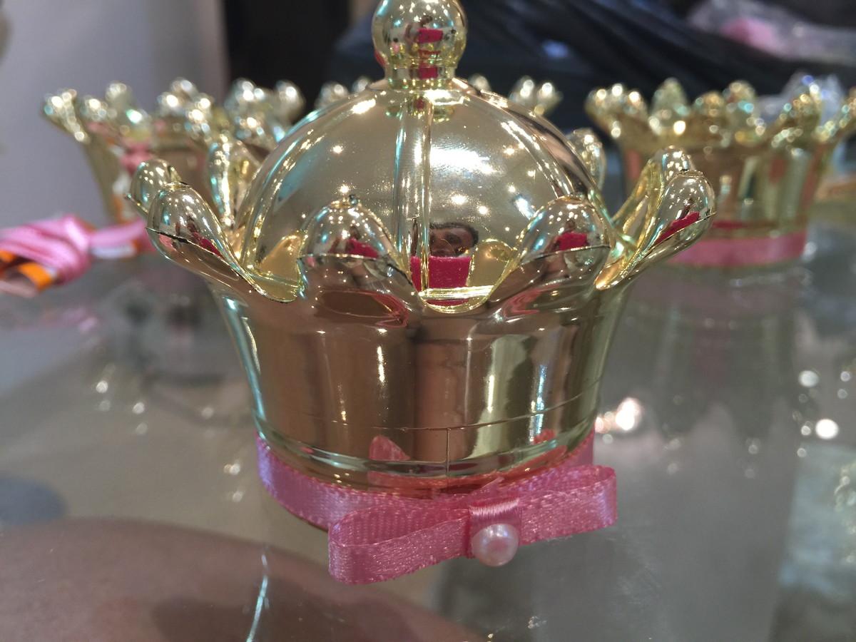Coroa de 50 anos da bahia se exibindo 4