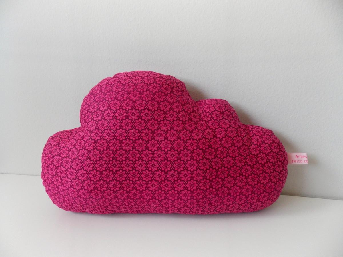 Almofada nuvem floral rosa choque Artes by Dani Elo7 ~ Quarto Rosa Choque