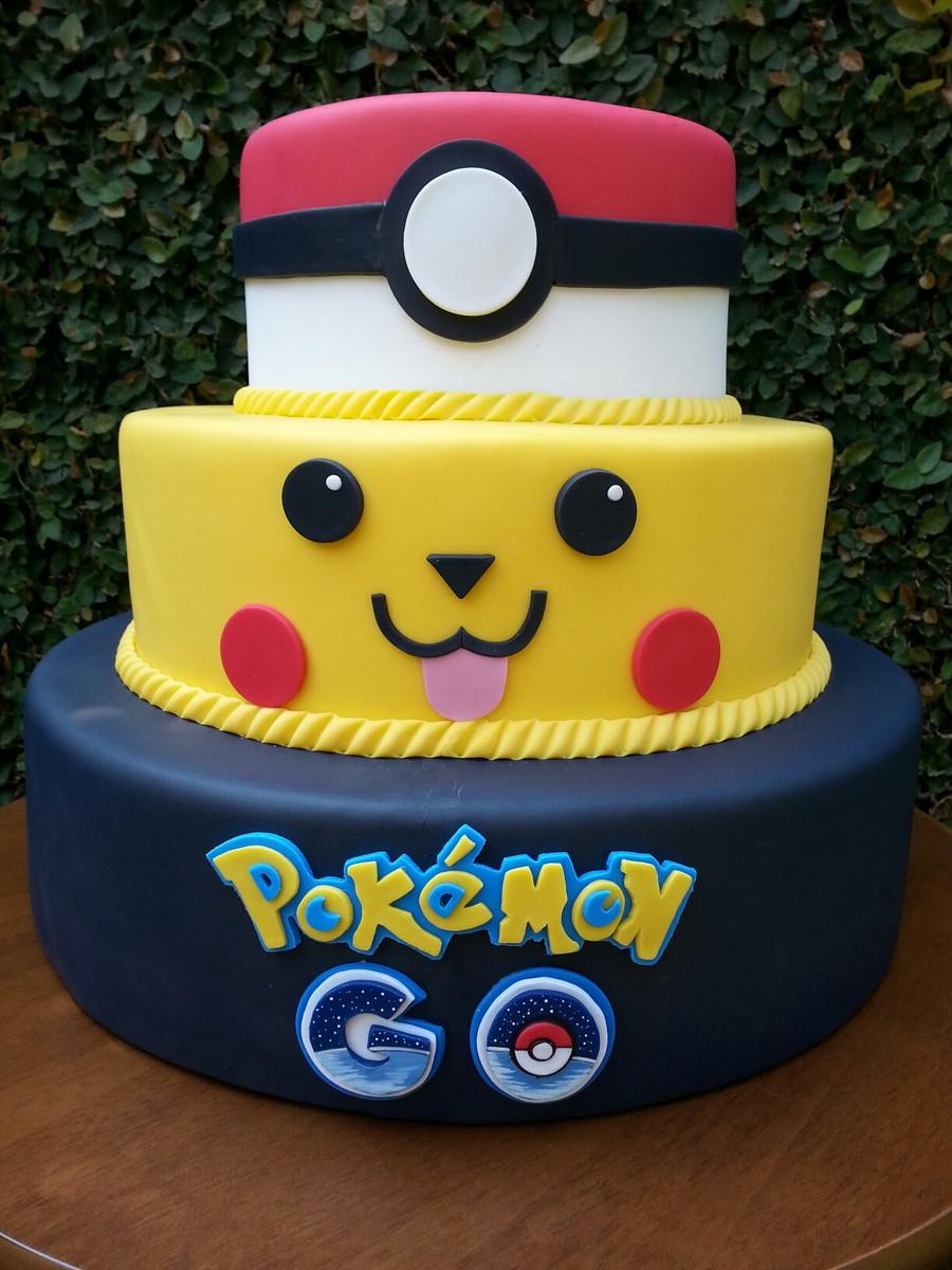 Pokemon Face Cake