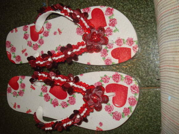 chinelo com decoupage