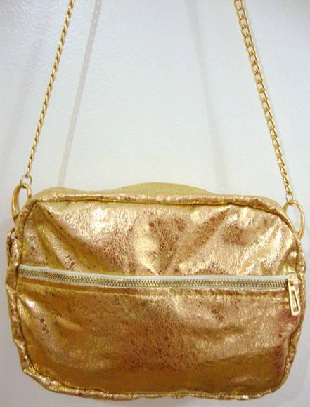 Bolsa Dourada Com Corrente : Bolsa metalizada dourada al?a corrente boneca de papel