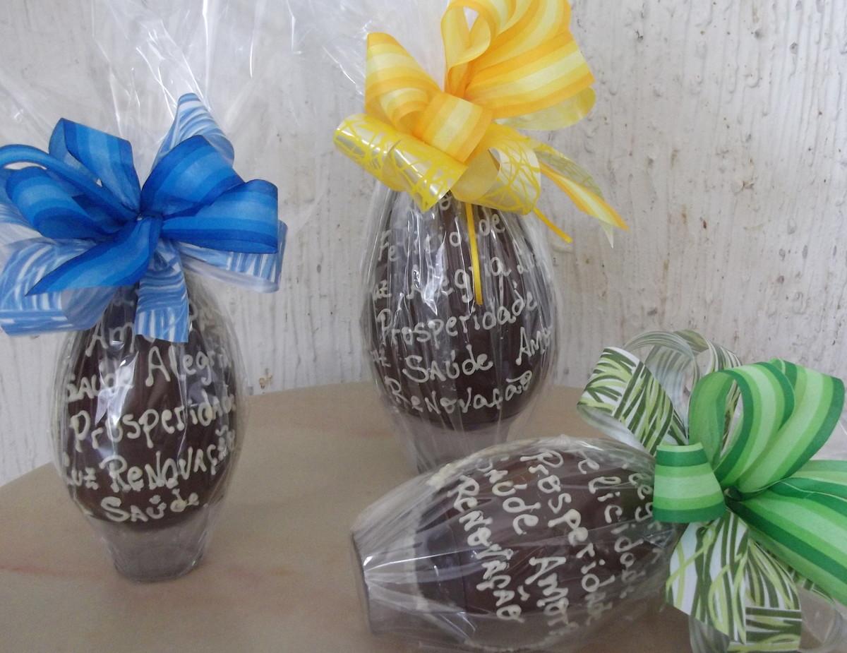 Ovo de páscoa decorado 750 grs no Elo7 Anna Clara Artesanato Culinário (2CEF53) -> Como Decorar Ovo De Pascoa De Chocolate