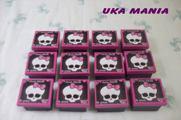 Caixa MDF Monster High Caixa MDF Monster High