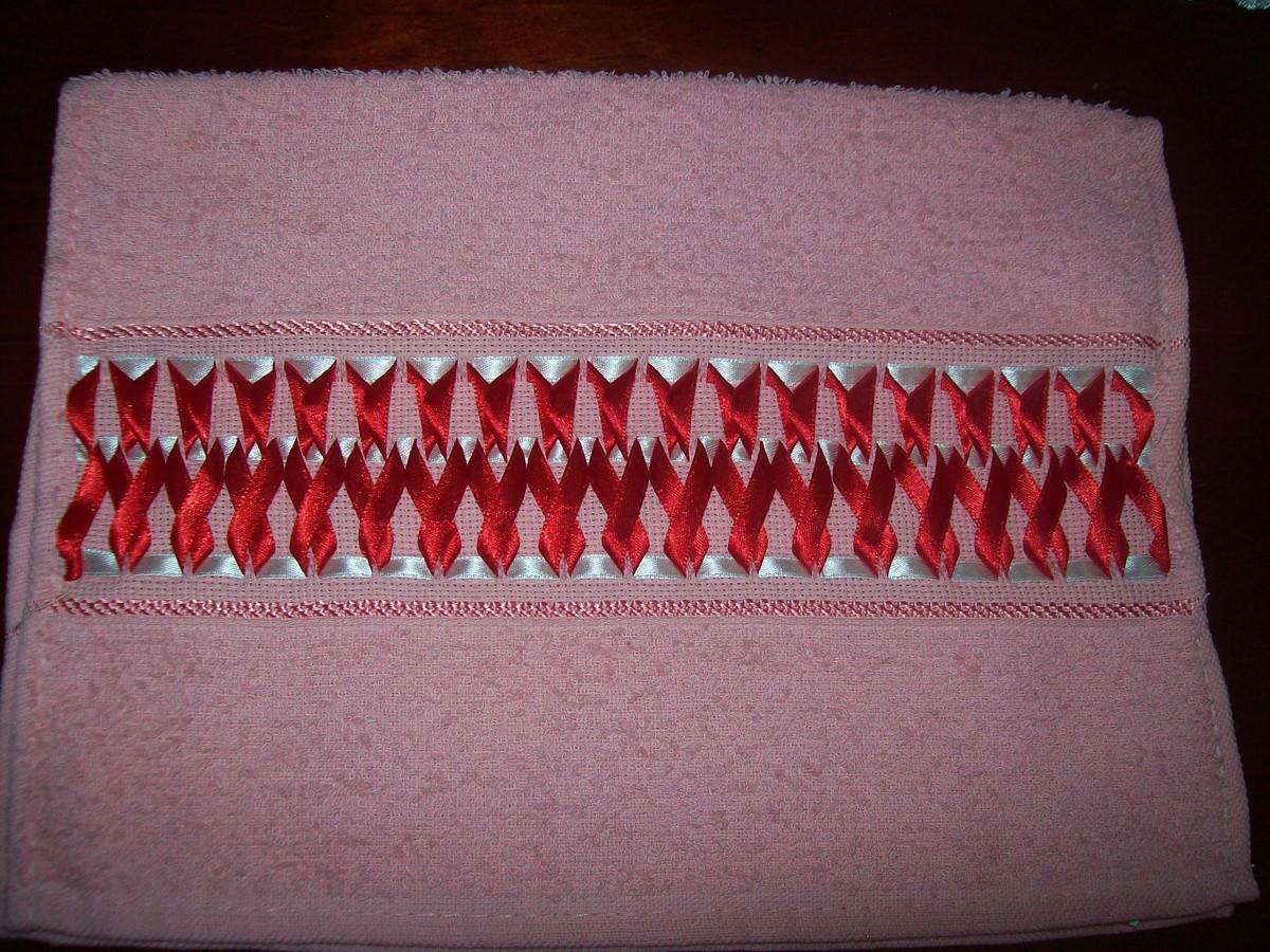 decoracao toalha lavabo:toalha-lavabo-trancado-em-fitas-toalha-bordado