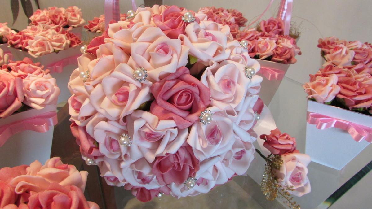 Kit noiva Bouquet & arranjos centro mesa  Rosamorena Artes Florais