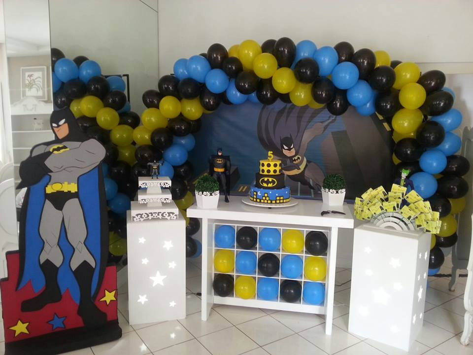decoracao festa batman : decoracao festa batman: batman-2-bolo-fake-batman locacao-de-decoracao-batman-2-festa-do