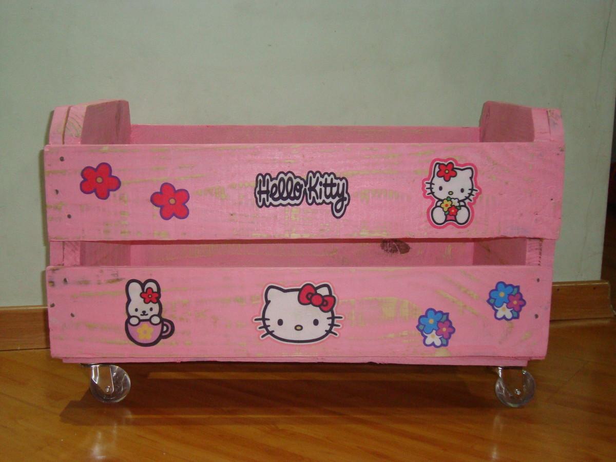 caixote de madeira decoradp com rodizios caixa para brinquedos #753C16 1200x900