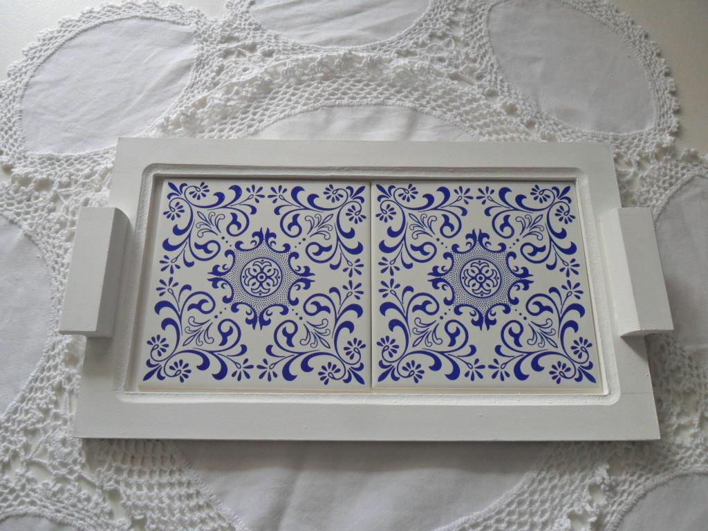 Bandeja azulejo portugues azul margarete orlandi elo7 - Colocar azulejos sobre azulejos ...