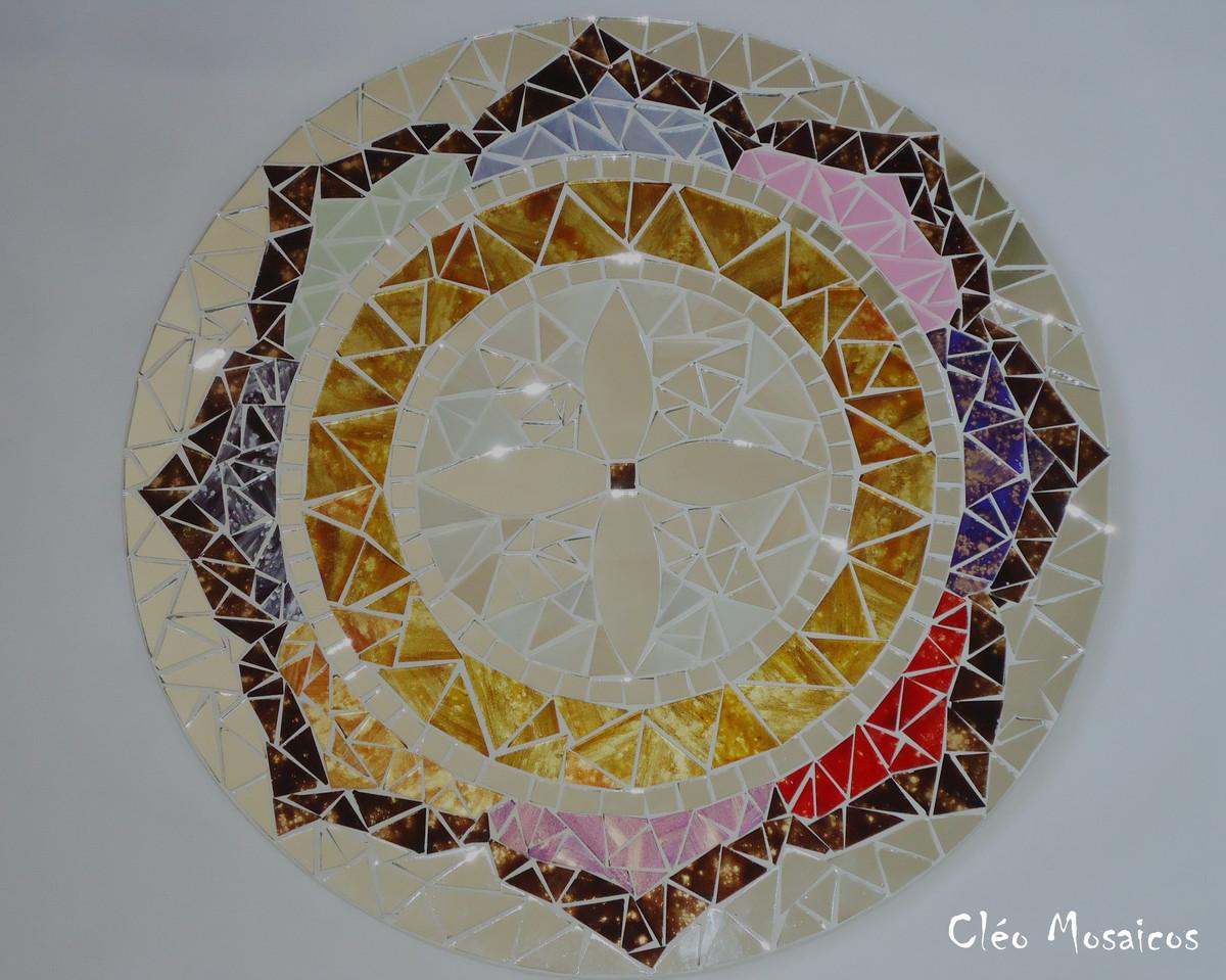 Mandala em mosaico cl o mosaicos elo7 for Cuadros mandalas feng shui decoracion mandalas