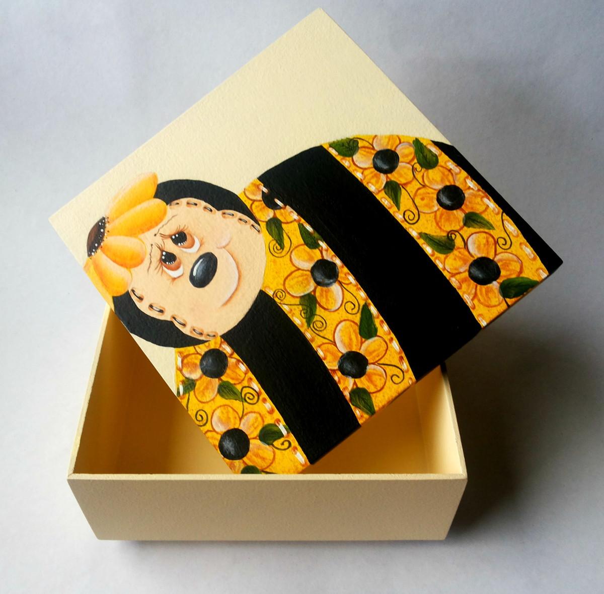 caixa de madeira com pintura decorativa caixa pintada caixa de madeira  #814402 1200x1179
