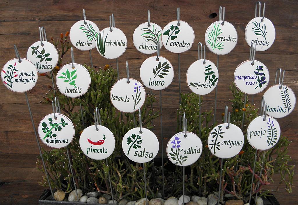 imagens de jardim horta e pomar: de ervas e temperos placa para horta vasos jardim placa para horta