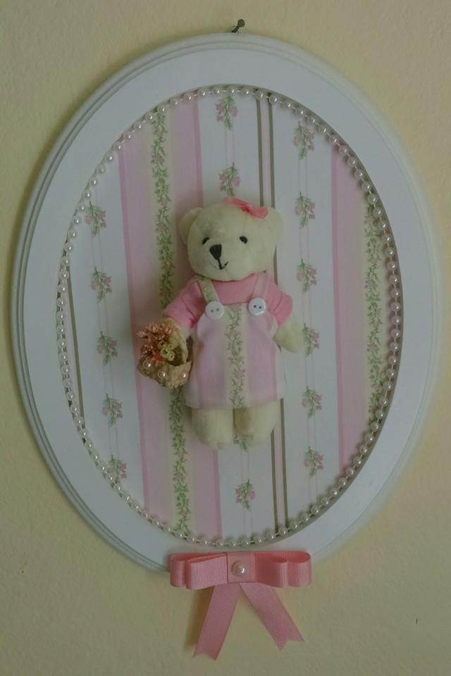 decoracao quarto de bebe jardim encantado : decoracao quarto de bebe jardim encantado:quadrinho-decorativo-oval-ursinha-decoracao-de-parede-quarto-de-bebe