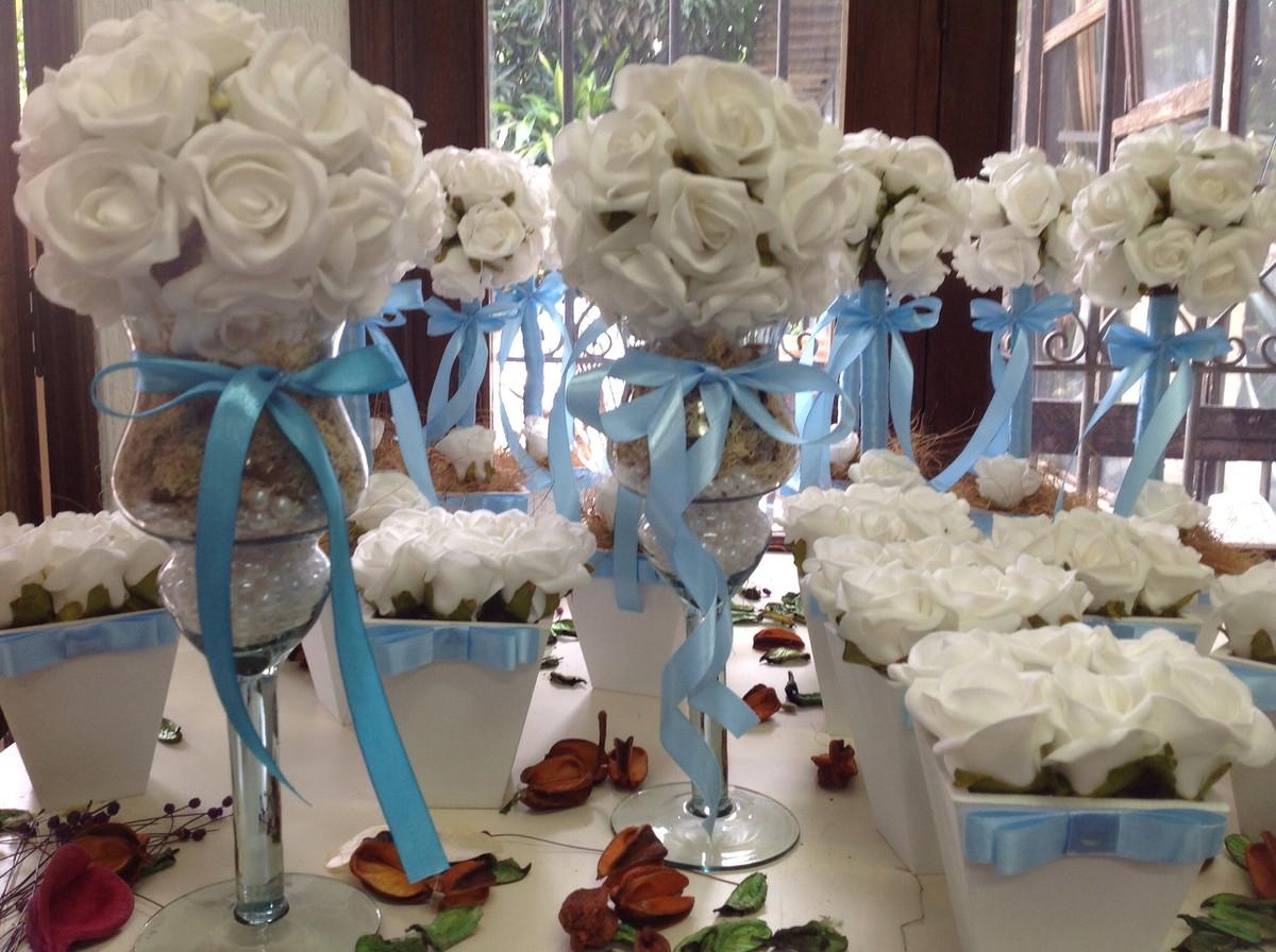 kit decoracao casamento:kit-festa-rosas-brancas-fita-azul-bebe-decoracao-festa-casamento