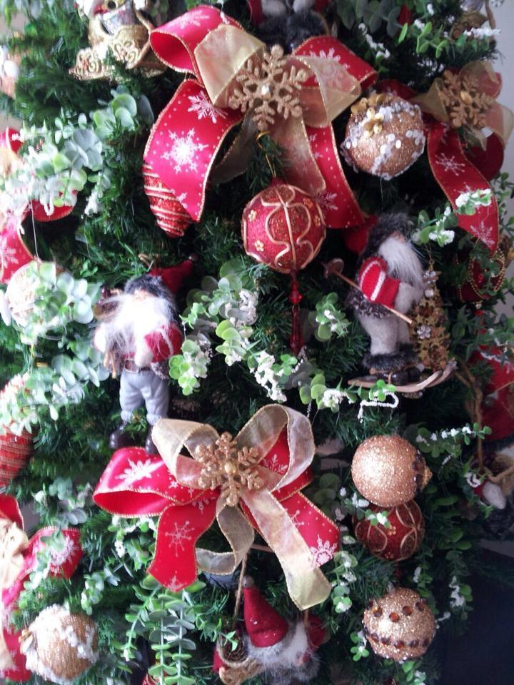 decoracao arvore de natal vermelha e dourada : decoracao arvore de natal vermelha e dourada: dourada-arvore-de-natal arvore-vermelha-e-dourada-decoracao-de-natal
