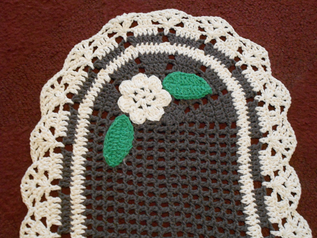 Tapete de barbante oval floral by formiguinhas for Tapete floral