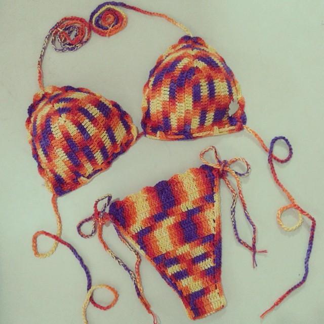 Biquíni Colorido em crochê   Ateliê Mari Arteira   Elo7