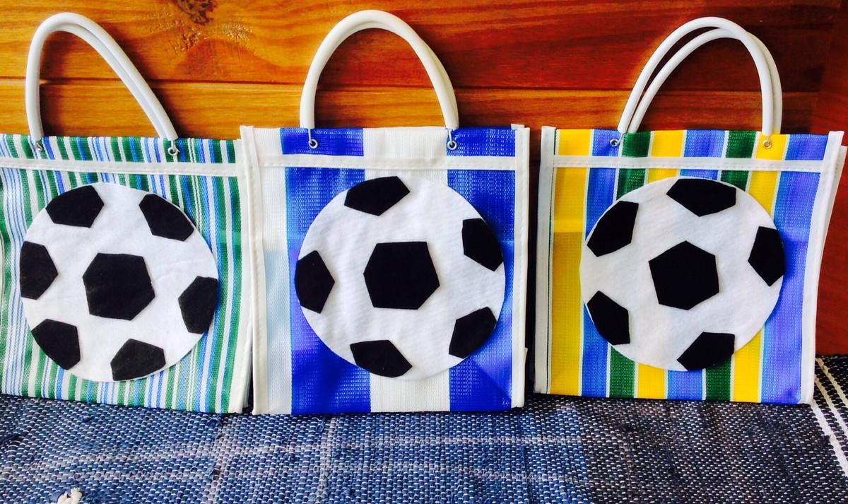 sacolinha surpresa tema futebol festa futebol sacolinha surpresa tema