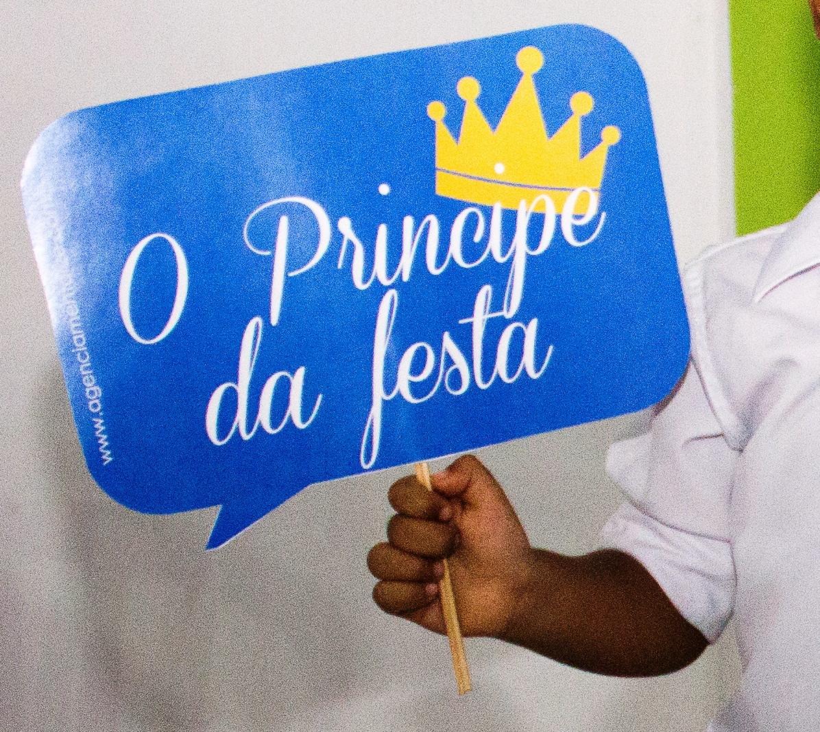 Plaquinhas divertidas festa infantil ruany bento elo7 for En 8 dias cumplo anos