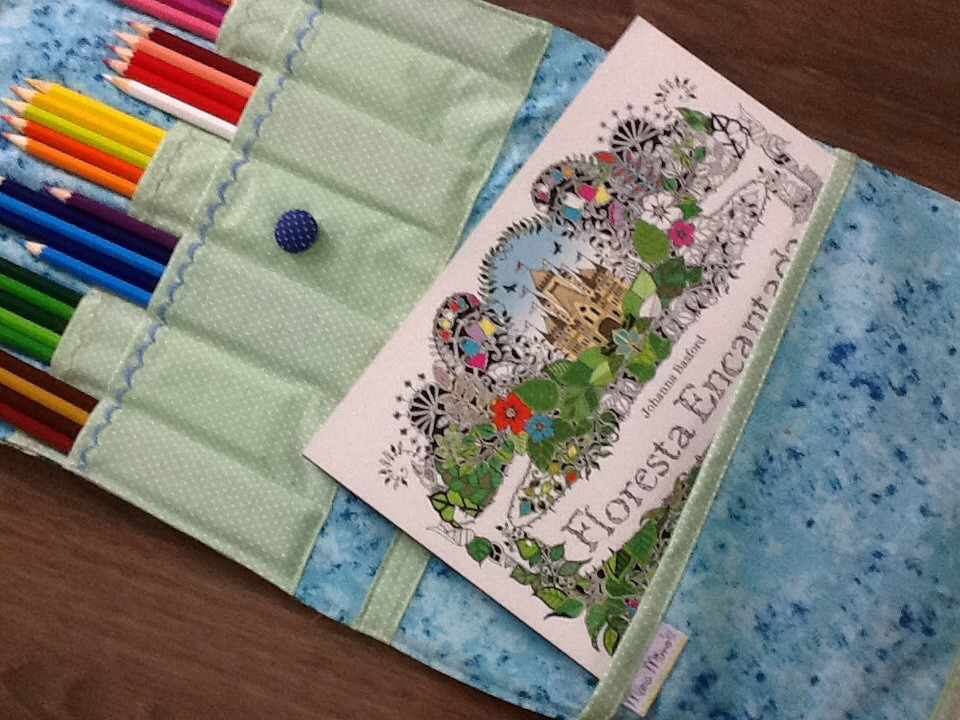 Bolsa Para Livro Recarregar O Livro Jardim Secreto : Bolsa para livros de colorir mara mimos elo