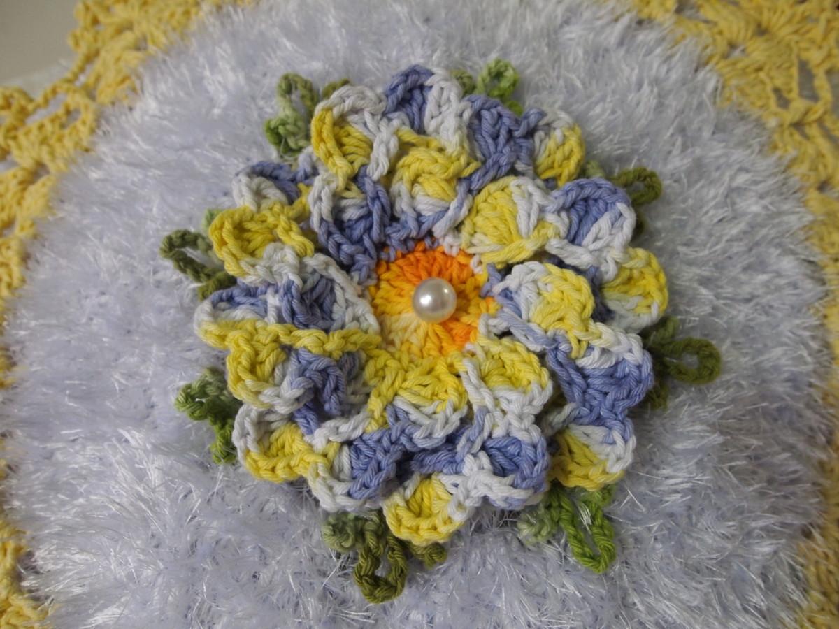 jogo de banheiro com flor dalia peludinho jogo de banheiro com flor  #9F832C 1200x900 Banheiro Amarelo Com Branco